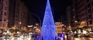 Espíritu navideño, iluminado pero menos